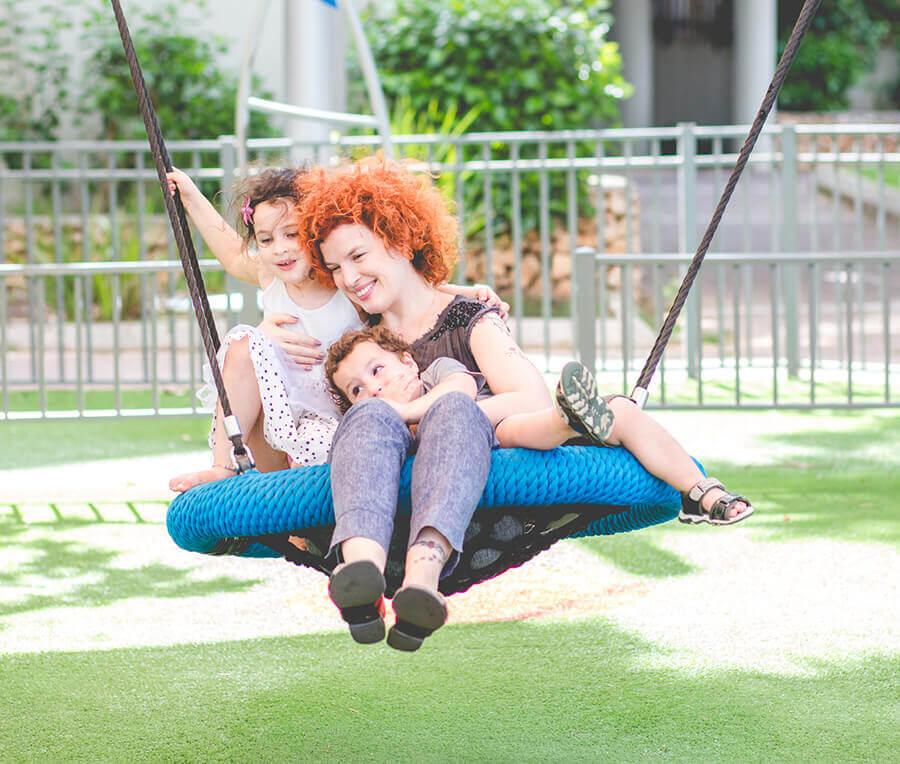 """על ילדים, אמהות ואופנה – הצלמת אורטל אקרמן מתארחת ב""""תלתלים"""""""